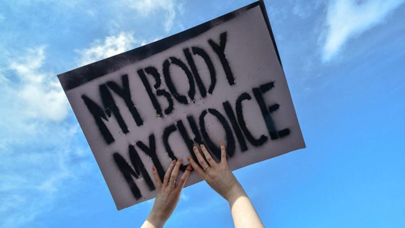 Aborto chirurgico o farmacologico? La scelta è della donna!